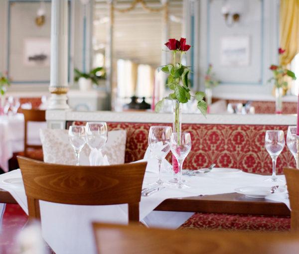 schiff-restaurant-wilhelm-tell-gedeck